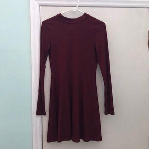 Dresses & Skirts - Long sleeve maroon dress